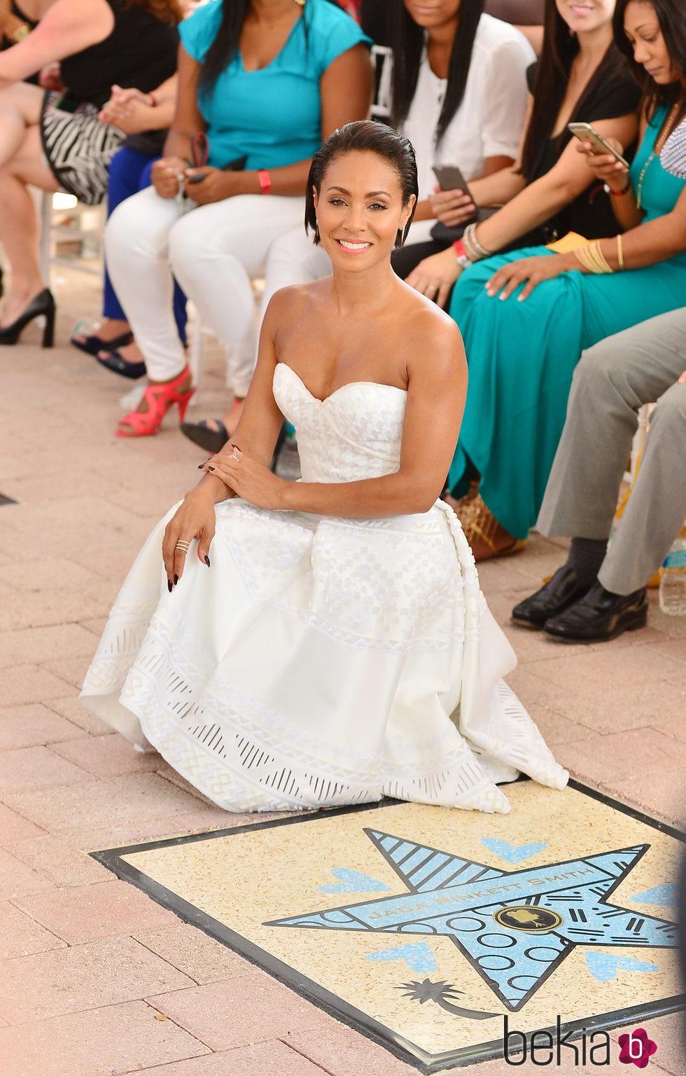 Jada Pinkett Smith recibe su estrella en el Paseo de la Fama de Miami