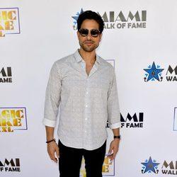Adam Rodriguez en el Paseo de la Fama de Miami