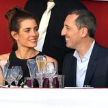 Carlota Casiraghi y Gad Elmaleh, sonrientes y enamorados en el concurso de saltos de Monte-Carlo 2015