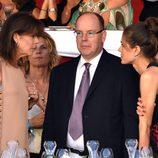 Carolina y Alberto de Mónaco con Carlota Casiraghi en la clausura del Concurso de Saltos de Monte-Carlo 2015