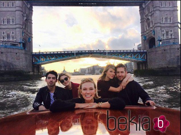 Taylor Swfit y Calvin Harris junto a sus amigos Joe Jonas y Gigi Hadid en Londres