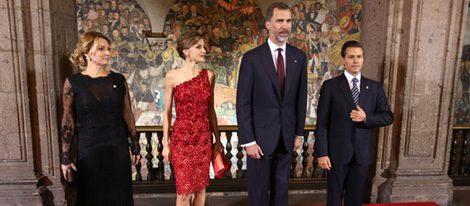 Los Reyes Felipe y Letizia y el presidente de México y su mujer en una cena de gala por el Viaje de Estado de los Reyes