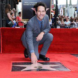 Paul Rudd estrena su estrella en el Paseo de la Fama de Hollywood