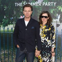 Ewan McGregor y su mujer en la fiesta de verano de The Serpentine Gallery
