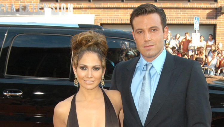 Jennifer Lopez y Ben Affleck en la premiere de 'Gigli'