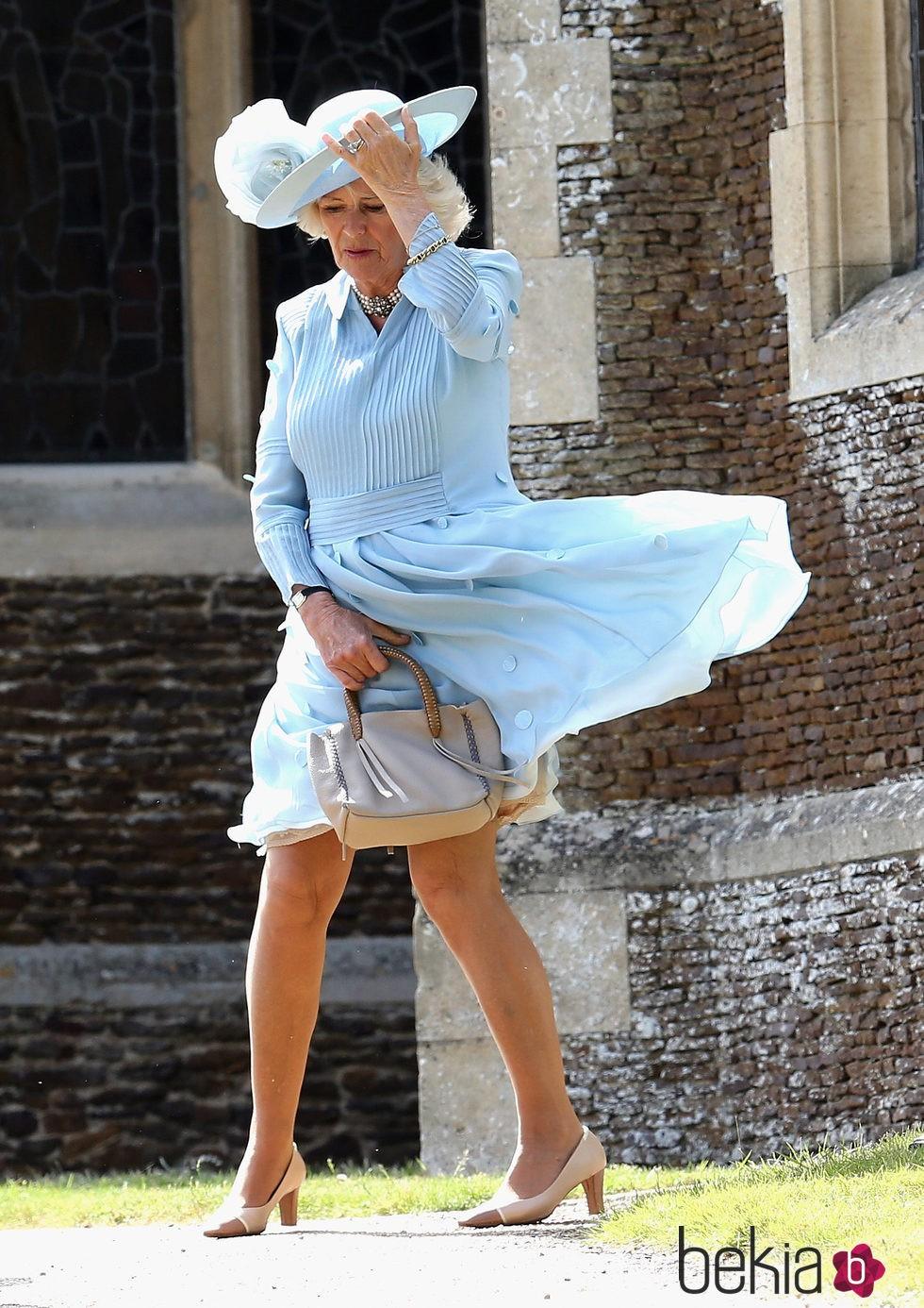 Camilla Parker, Duquesa de Cornualles, en el bautizo de la Princesa Charlotte de Cambridge