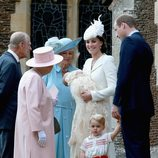La Reina Isabel II en el bautizo de Carlota de Cambridge