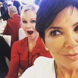 Melanie Griffith y Kris Jenner durante una visita al Dalai Lama