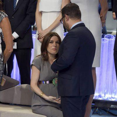 Jorge Javier Vázquez y Raquel Sánchez Silva charlando sobre la final de Supervivientes
