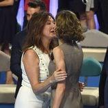Ana Rosa Quintana saludando a la Reina Letizia