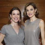 La Reina Letizia con Raquel Sánchez Silva en su visita a Mediaset