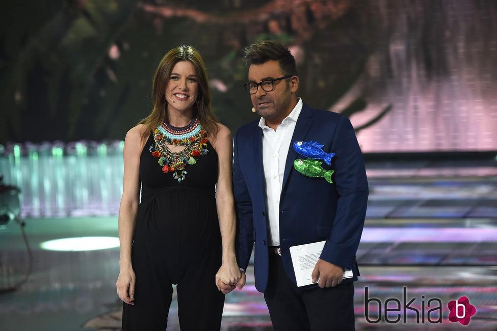 ¿Cuánto mide Raquel Sánchez Silva? 76914_raquel-sanchez-silva-jorge-javier-vazquez-seminifinal-supervivientes-2015
