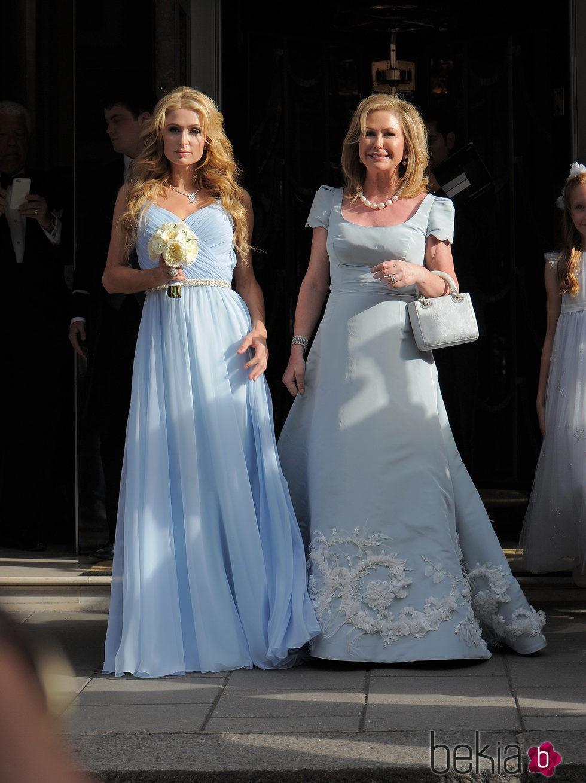 Paris Hilton y Kathy Hilton ideales en la boda de su hermana Nicky ...