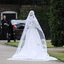 Parte trasera del vestido de novia de Nicky Hilton