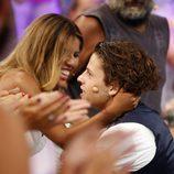 Chabelita felicitando a Christopher por su victoria en 'Supervivientes 2015'
