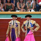 Fran Rivera y su hermano Cayetano en una corrida de toros en Estepona