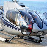 Antonio Banderas y Nicole Kimpel aterrizan en Ischia con un helicóptero privado