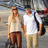 Nicole Kimpel y Antonio Banderas llegan a Ischia para asistir a su festival de cine