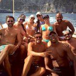 Eva Longoria en barco con sus amigos