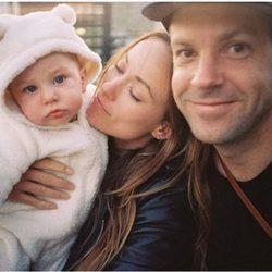Olivia Wilde, su marido Jason Sudeikis y su hijo Otis