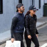 Eva Longoria y su novio José Antonio Baston de compras por Sidney