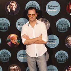 El actor Asier Etxeandía en el concierto de Elton John