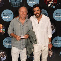 El cantante José Manuel Soto y su hijo Jaime Soto en el concierto de Elton John
