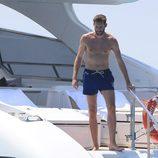 Rudy Fernández con el torso desnudo en un barco en su luna de miel en Ibiza