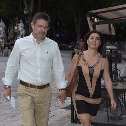 Rafael Catalá Polo y su esposa en el concierto de Juanes en Madrid