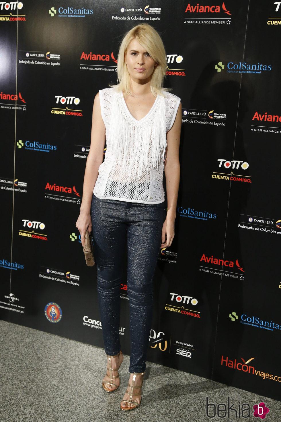Adriana Abenia en el concierto de Juanes en Madrid