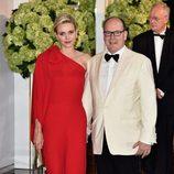 Los Príncipes Alberto y Charlene de Mónaco en el Baile de la Rosa 2015