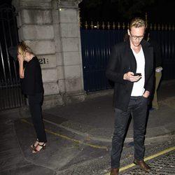 Elizabeth Olsen y Tom Hiddleston pillados juntos
