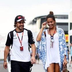 Fernando Alonso y Lara Álvarez en el GP de Hungría 2015