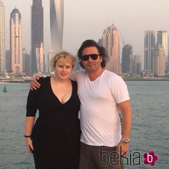 Rebel Wilson y Mickey Gooch durante sus vacaciones en Dubai