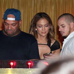 Jennifer Lopez celebra su 46 cumpleaños con su novio Casper Smart