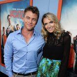Luke Hemsworth y su mujer Samantha en el estreno de 'Vacation' en Los Angeles