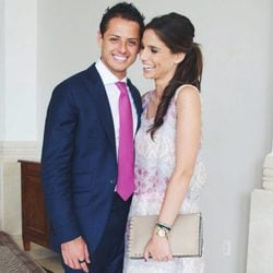Lucía Villalón y Chicharito en una boda familiar