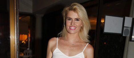Adriana Abenia en la fiesta del 45 cumpleaños de Nacho Montes