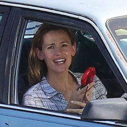 Jennifer Garner, sonriente en el rodaje de 'Miracles From Heaven'