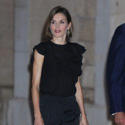 La Reina Letizia en la recepción a las autoridades y la sociedad balear en Mallorca