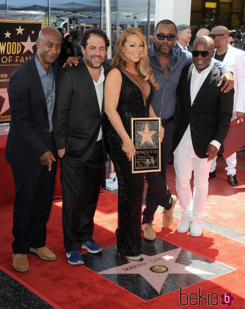Mariah Carey recibe su estrella en el Paseo de la Fama arropada por Brett Ratner, Lee Daniels y L.A. Reid
