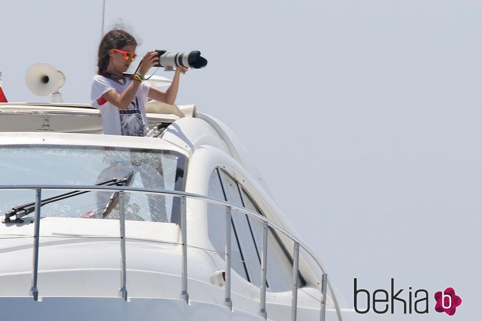 Victoria de Marichalar hace fotos a las regatas de la Copa del Rey de Vela 2015