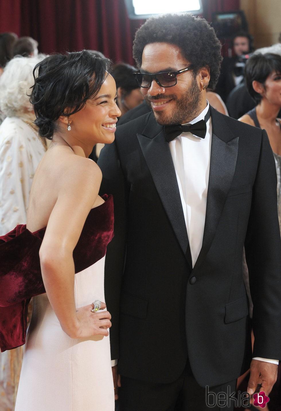 Zoë Kravitz con su padre Lenny Kravitz en una alfombra roja