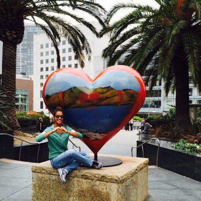 Lara Álvarez mandando amor desde San Francisco