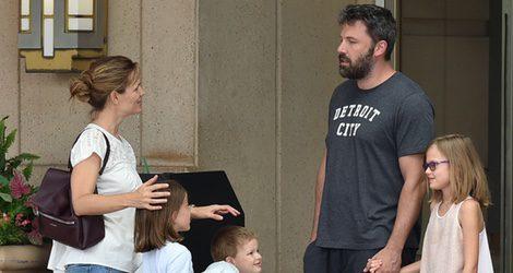 Ben Affleck y Jennifer Garner, felices junto a sus hijos en Atlanta