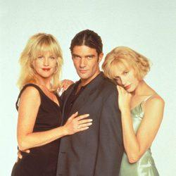 Melanie Griffith, Antonio Banderas y Daryl Hannah en 'Two Much'