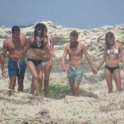 Michelle Rodriguez conociendo las calas de Ibiza con amigos