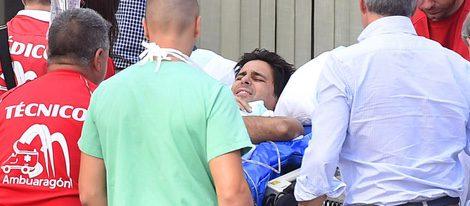 Fran Rivera, muy dolorido a su llegada al Hospital Quirón de Zaragoza