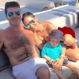 Simon Cowell junto a Lauren Silverman y su hijo Eric