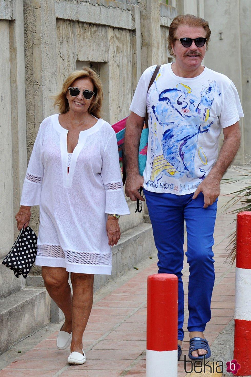 María Teresa Campos y Bigote Arrocet celebran en Marbella su primer año de amor